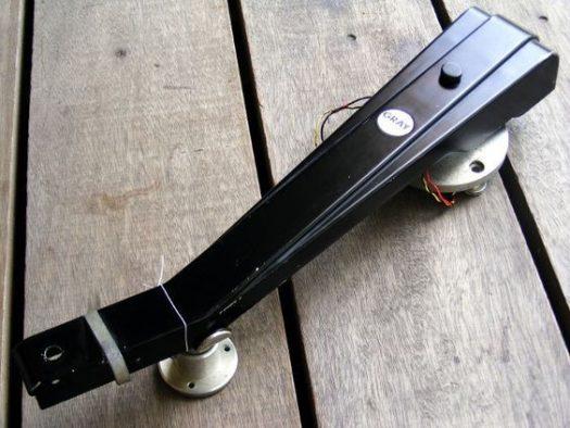 Gray hydraulic tone arm
